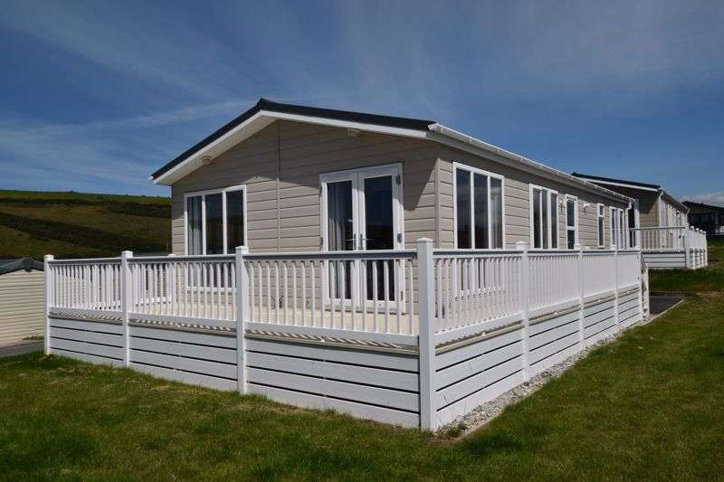 2 Bedrooms Property for sale in Sun Haven, Mawgan Porth