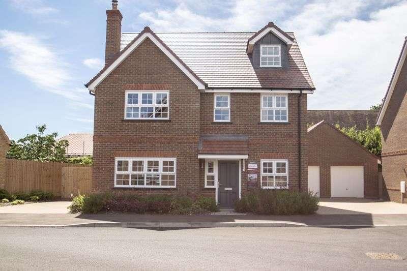 4 Bedrooms Property for sale in Field View, Newbury Lane, Silsoe