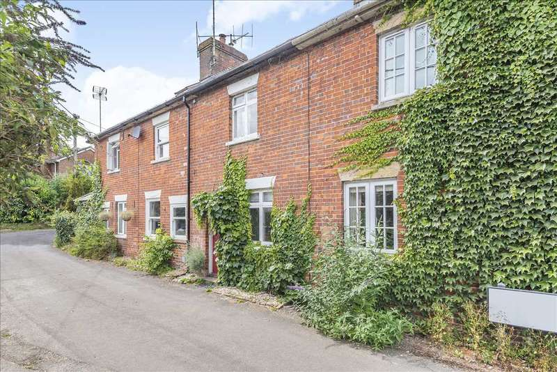 3 Bedrooms Terraced House for sale in Abbey Terrace, Chapel Lane., Stoke, Andover