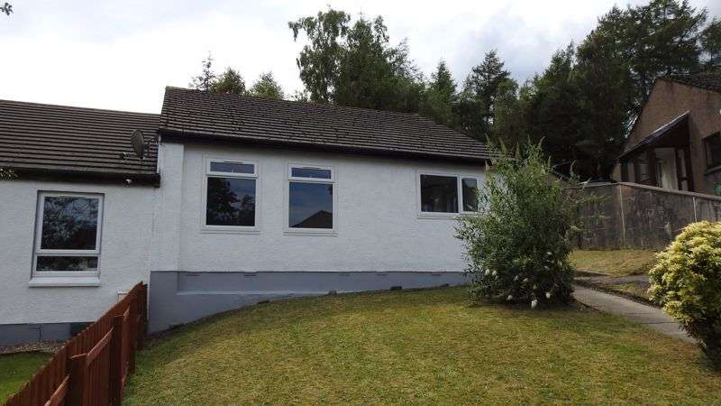 2 Bedrooms Property for sale in Cammesreinach Crescent, Dunoon