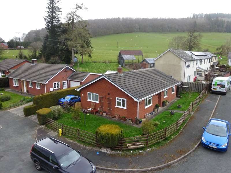 3 Bedrooms Bungalow for sale in 9 Hillcrest, Aberhafesp, Newtown, Powys, SY16 3JR