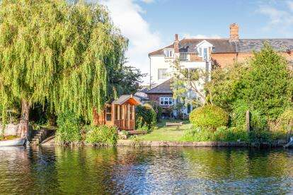 5 Bedrooms Semi Detached House for sale in Northgate, Beccles, Suffolk