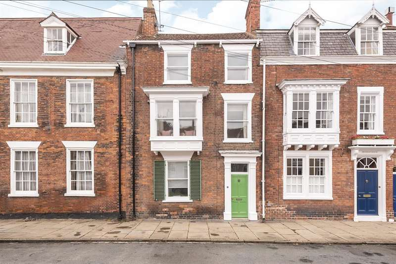 3 Bedrooms Terraced House for sale in North Bar Without, Beverley, East Yorkshire, HU17 7AB