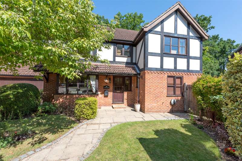5 Bedrooms Detached House for sale in Napier Drive, Camberley, Surrey, GU15