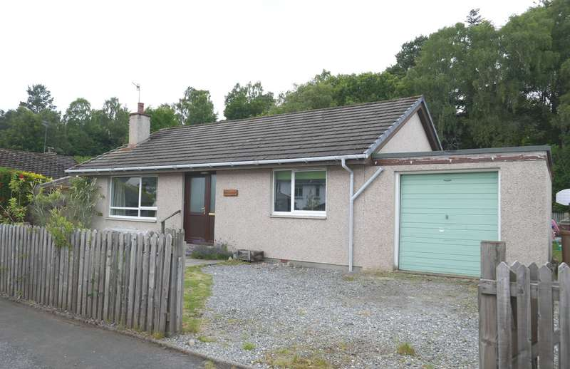 2 Bedrooms Bungalow for sale in St Brides Avenue, Newtonmore, PH20 1EE