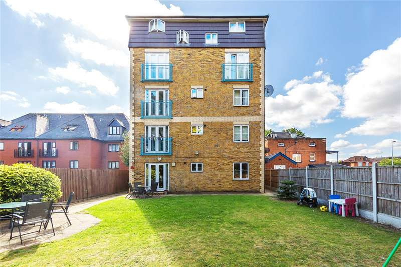 2 Bedrooms Apartment Flat for sale in Chipping Lodge, 87 Western Road, Romford, RM1