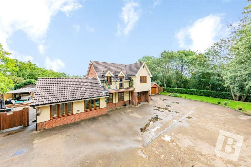 6 Bedrooms Detached House for sale in Broxhill Road, Havering-Atte-Bower, Romford, RM4