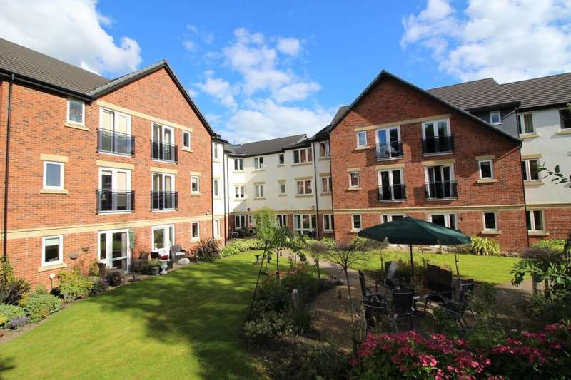 2 Bedrooms Flat for sale in Longsight Road, Ramsbottom, Bury, BL0