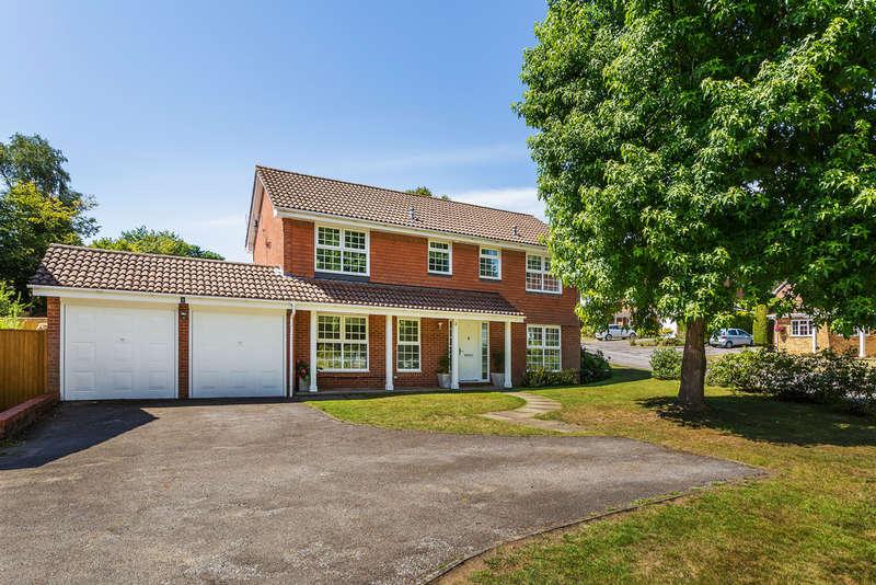 4 Bedrooms Detached House for sale in Highlands Park, Sevenoaks, TN15