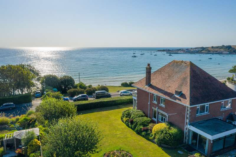 4 Bedrooms Detached House for sale in DE MOULHAM ROAD, SWANAGE