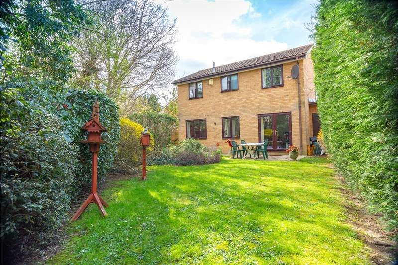 4 Bedrooms Detached House for sale in Thirlmere Close, Egham, Surrey, TW20