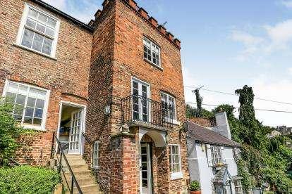 4 Bedrooms Semi Detached House for sale in Waterside, Knaresborough, North Yorkshire, .