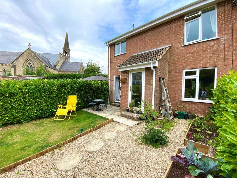 3 Bedrooms Semi Detached House for sale in Reine Barnes Close, Woodmancote, Dursley, GL11 4BQ