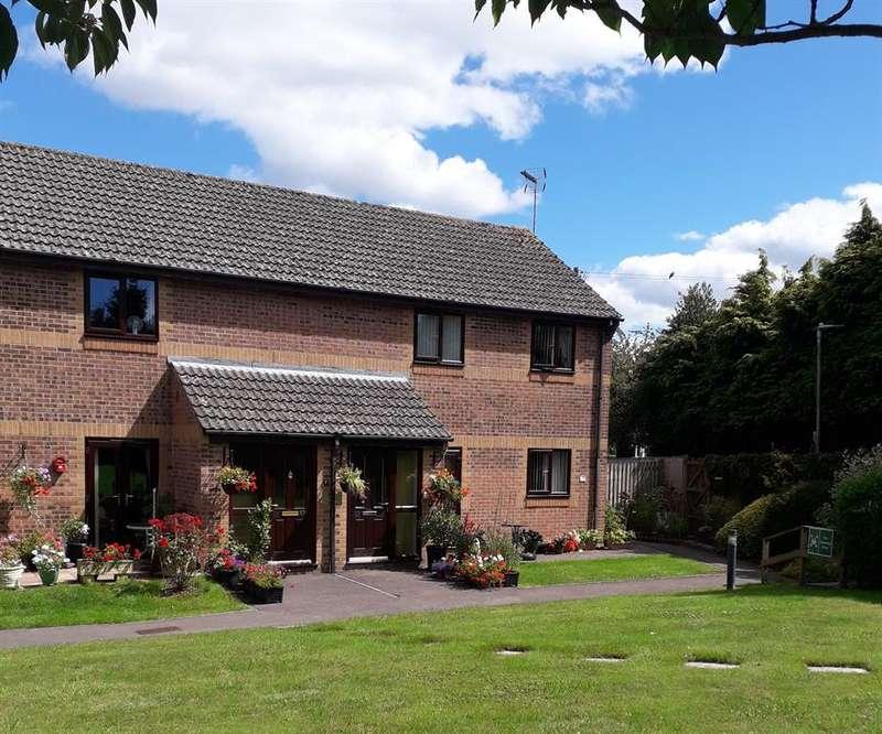 1 Bedroom Retirement Property for sale in Little Quillet Court, Cam, Dursley, GL11 5EX