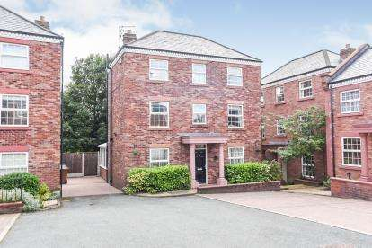 5 Bedrooms Detached House for sale in Woodland View, Godley, Hyde, Greater Manchester