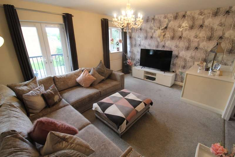 3 Bedrooms Semi Detached House for sale in Blueberry Avenue, Manchester, Greater Manchester, M40