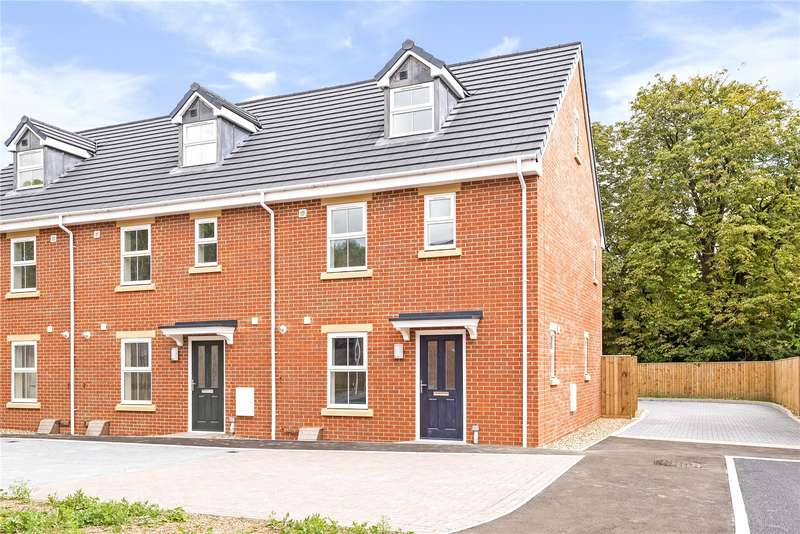 3 Bedrooms End Of Terrace House for sale in Cosway Court, Wanborough Road, Swindon, Wiltshire, SN3