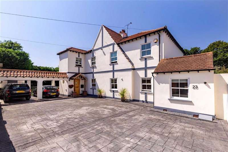 4 Bedrooms Detached House for sale in Thornwood Road, Epping, Essex