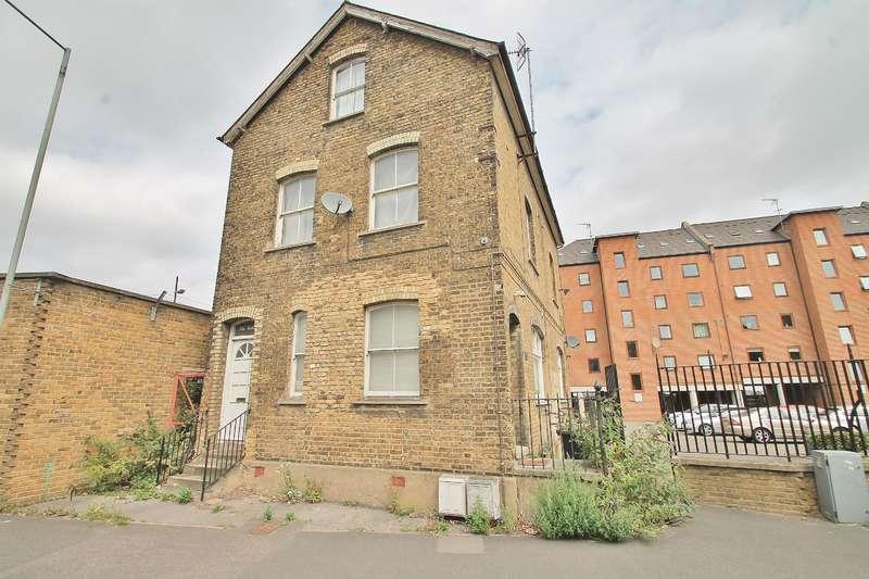 2 Bedrooms Flat for sale in West Street , Gravesend , DA11 0BW