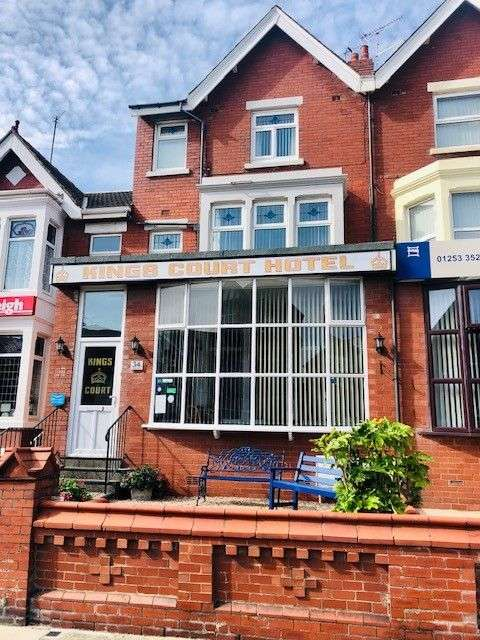 Hotel Gust House for sale in Kings Court Hotel, 34 King Edward Avenue, Blackpool, FY2