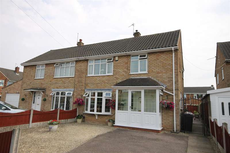 3 Bedrooms Semi Detached House for sale in Avon Crescent, Walsall