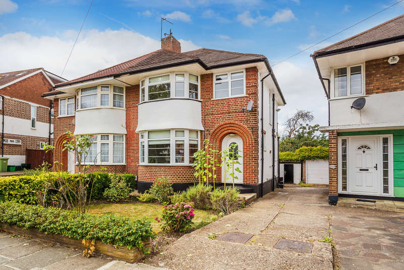 3 Bedrooms Semi Detached House for sale in Beaumont Road, Petts Wood, BR5