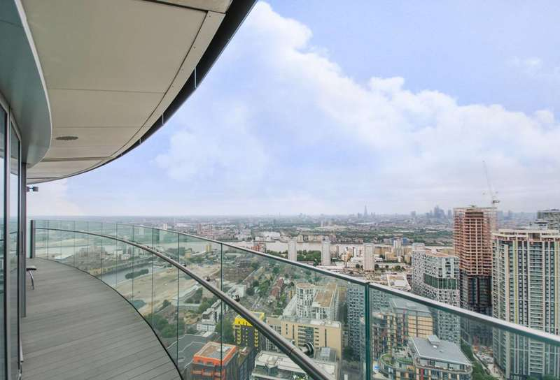 2 Bedrooms Flat for sale in Crossharbour Plaza, Canary Wharf, E14
