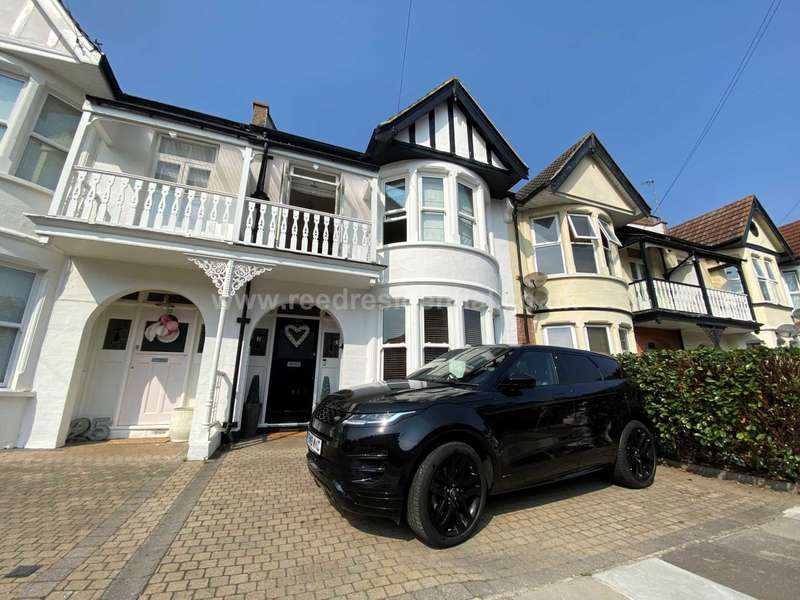 4 Bedrooms House for sale in Plas Newydd, Southend On Sea