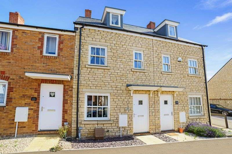 3 Bedrooms Property for sale in Amors Drove, Sherborne, DT9