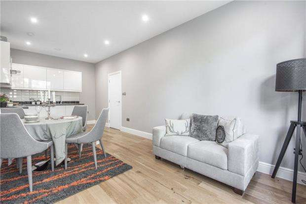 1 Bedroom Apartment Flat for sale in Barley Way, Fleet