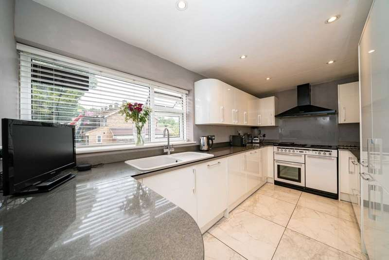 3 Bedrooms Maisonette Flat for sale in Coles Hill, Hemel Hempstead