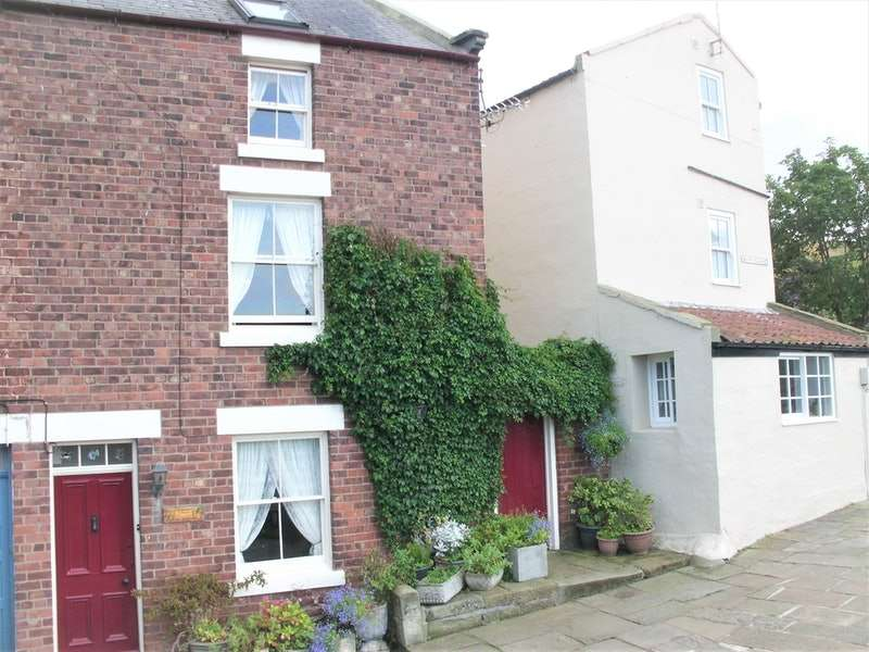 3 Bedrooms End Of Terrace House for sale in Staithes, Saltburn-by-the-Sea, Tyne and Wear, TS13