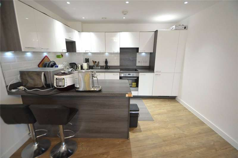 3 Bedrooms Maisonette Flat for sale in Royal Court, 123 Connersville Way, Croydon