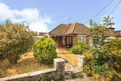 2 Bedrooms Bungalow for sale in Billericay, Essex, .