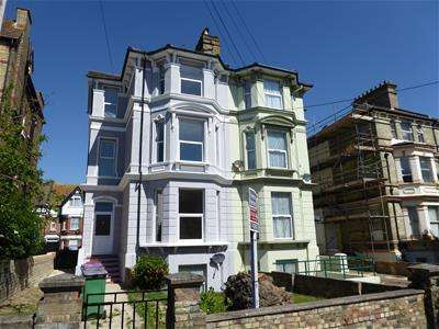 6 Bedrooms Semi Detached House for sale in Connaught Road, Folkestone