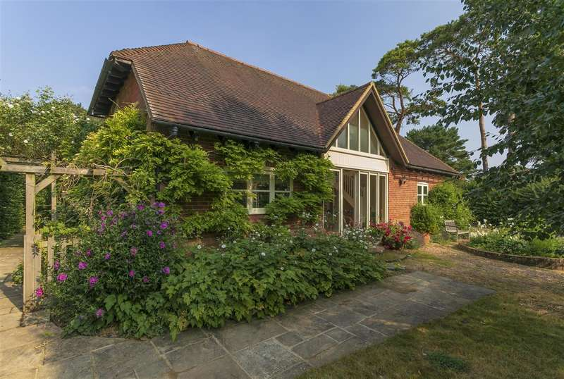 8 Bedrooms Detached House for sale in Nichols Barn, Station Road, Patrixbourne