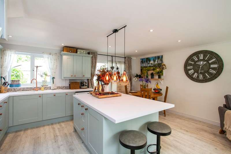 3 Bedrooms House for sale in Parsonage Road, Tunbridge Wells, Kent, TN4