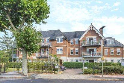 3 Bedrooms Flat for sale in Piermont House, 84 Overbury Avenue, Beckenham