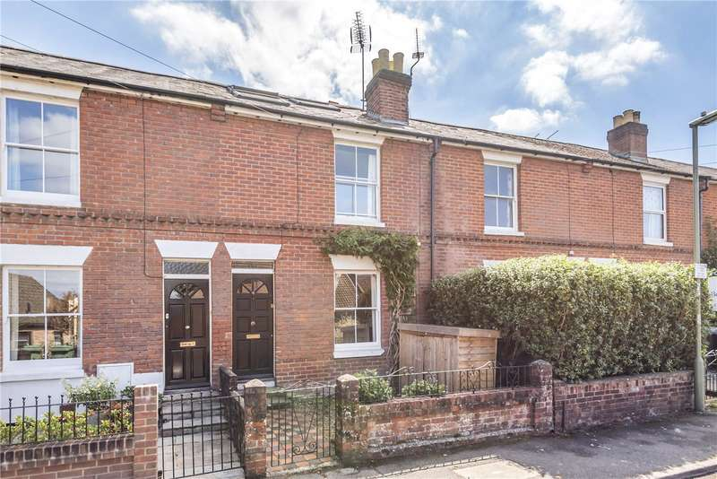 3 Bedrooms Terraced House for sale in Greenhill Road, Winchester, Hampshire, SO22