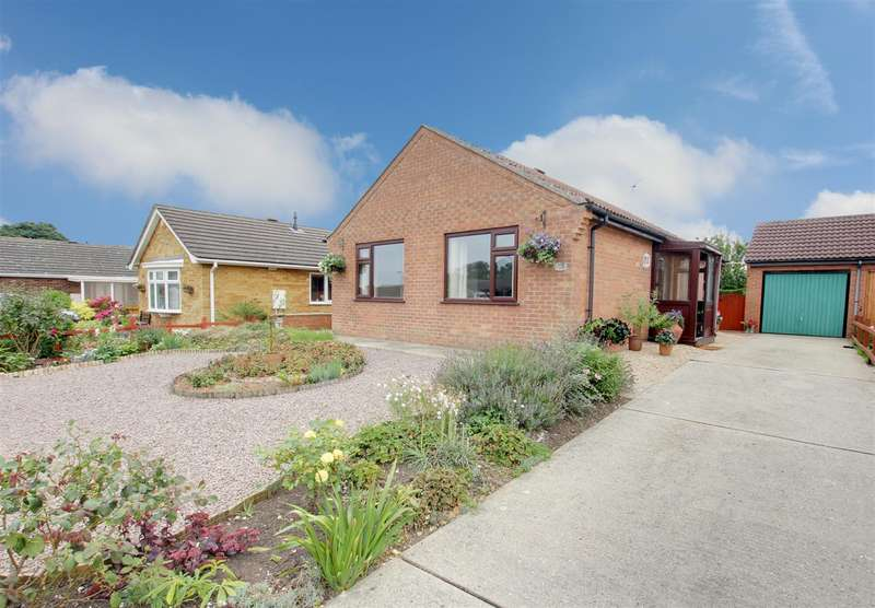 2 Bedrooms Detached Bungalow for sale in Dixon Drive, Alford