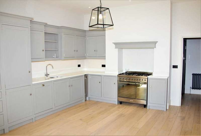 2 Bedrooms Apartment Flat for rent in Wells House, 30-32 Otley Road, Harrogate