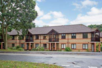 1 Bedroom Flat for sale in Park Gate, Southampton, Hampshire