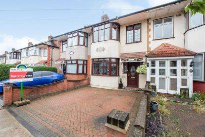 3 Bedrooms Terraced House for sale in Rise Park, Romford, Havering