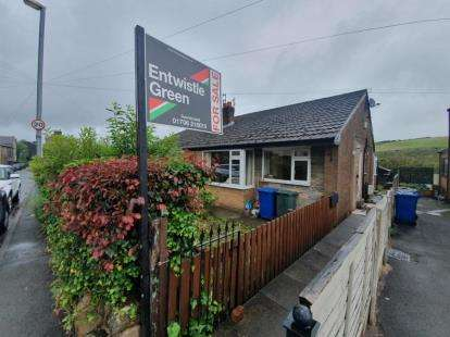 2 Bedrooms Bungalow for sale in Crag View, Rossendale, Lancashire, BB4