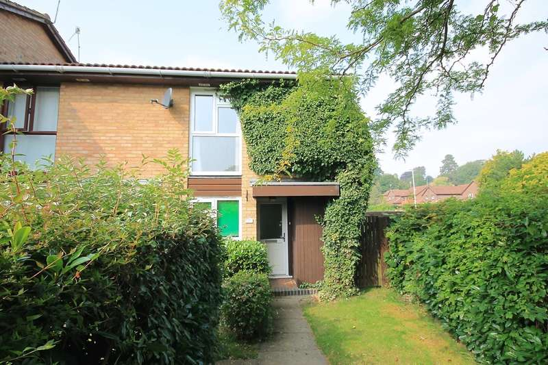 2 Bedrooms End Of Terrace House for rent in Tudor Close, East Grinstead