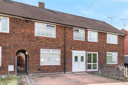 4 Bedrooms Terraced House for sale in Ravensbury Road, Orpington