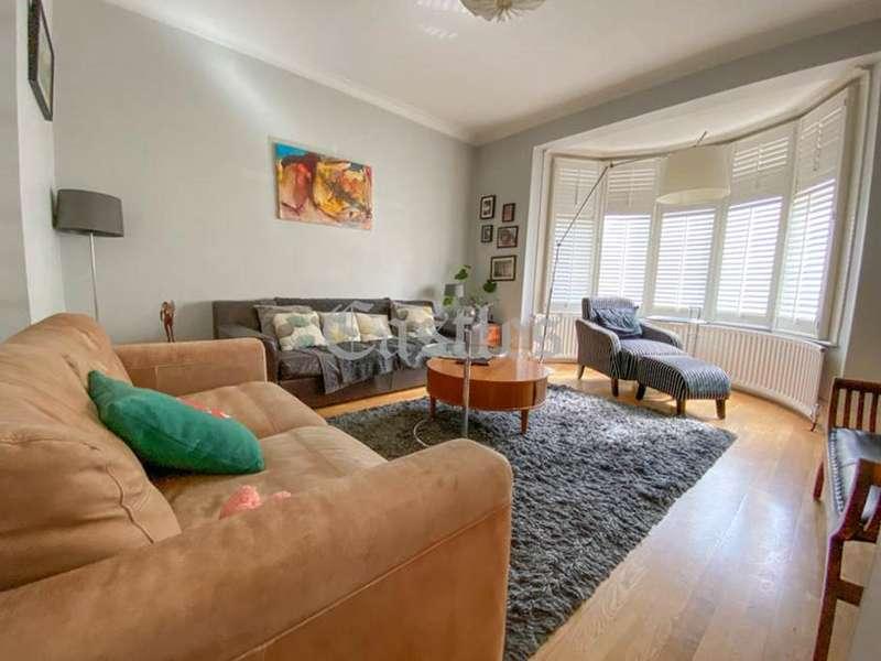 3 Bedrooms Semi Detached House for sale in Honey Lane, Waltham Abbey, Essex, EN9