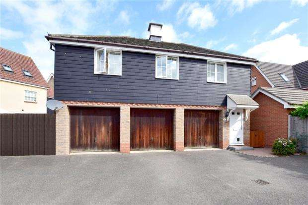 2 Bedrooms House for sale in Lammas Drive, Braintree, Essex