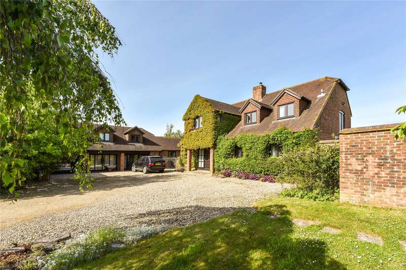 5 Bedrooms Detached House for sale in Church Lane, Pilley, Lymington, Hampshire, SO41