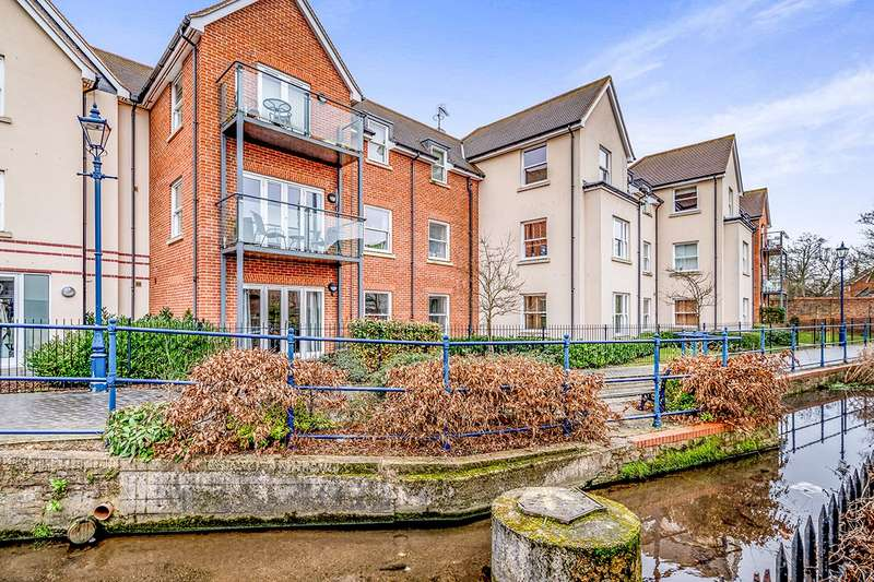 2 Bedrooms Apartment Flat for sale in Malthouse Court, Bridge Street, Hitchin, Hertfordshire, SG5